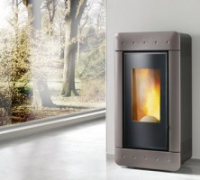 Stufa a pellet  - VIDEO BLACK  6 kw